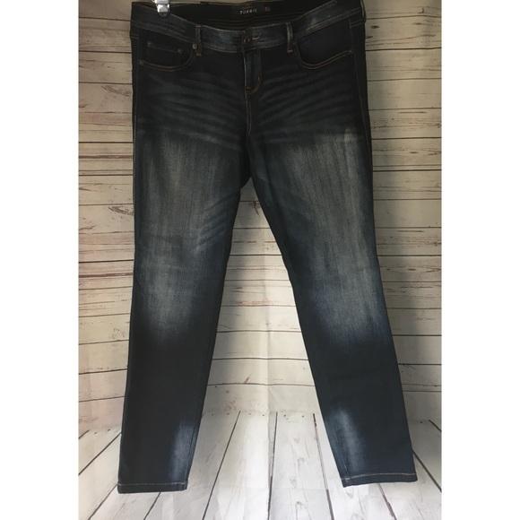 578005a86edfa Torrid Premium Denim Faded Skinny Jeans. M 5ac95d38d39ca269bc547da7